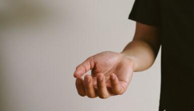 Zespół cieśni nadgarstka przyczyny objawy leczenie